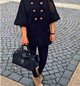 Женское чёрное пальто River Island
