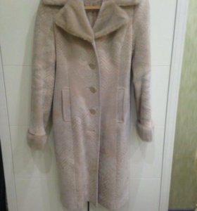 Женское зимнее пальто,в хорошем состоянии