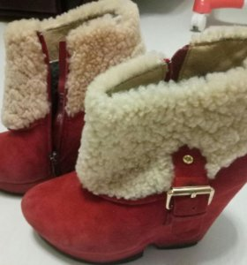 Женские зимнии,ботинки.