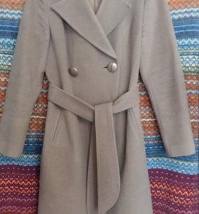 Пальто драповое с английским воротником