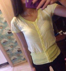 Полосатая футболка