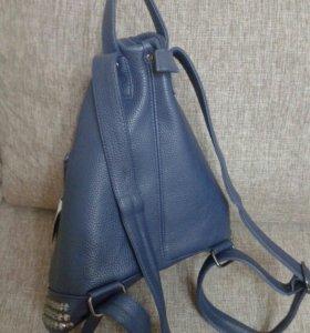 Рюкзак новый,кожзам