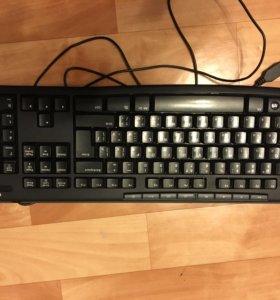 Клавиатура Logitech +мышь в подарок