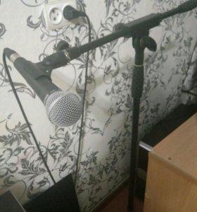 Микрофон shure sm58. Стойка в комлекте