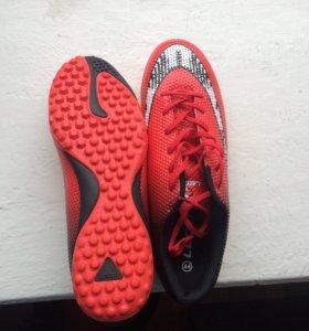 Обувь для игры в футбол