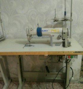 Промышленная прямострочная швейная машина Juki DDL