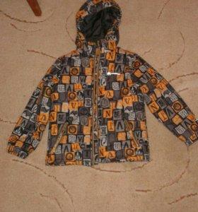 Куртка на мальчика осенняя .