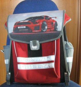 Жесткокаркасный ранец фирмы Emiro