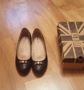 Кожаные туфли 37 размера