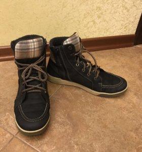 Ботинки осенние на р42
