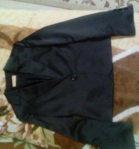 Женский пиджак 46-48 размер