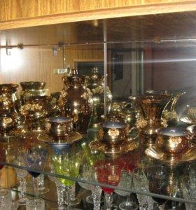 Чайно-кофейный золотой сервиз с лепными розами
