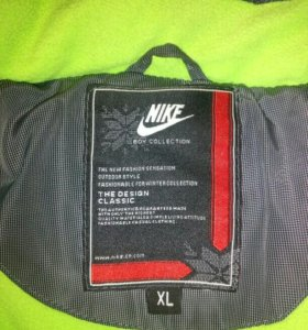 куртка-пуховик Nike