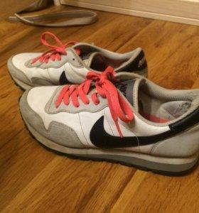 Кроссовки Nike фирменные кожа