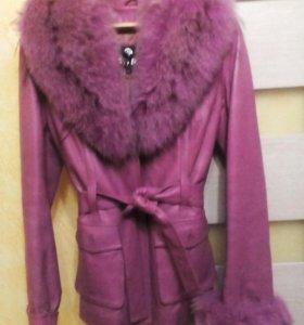 Красивая кожаная куртка 44 р.
