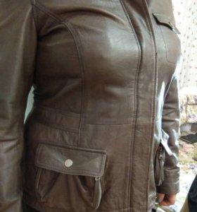 Кожаная куртка,размер L