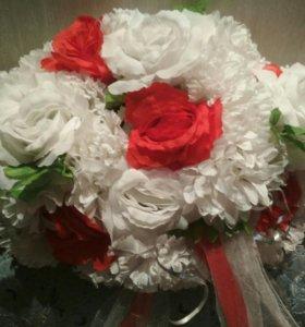 Украшение свадебной машины, цветы, лента