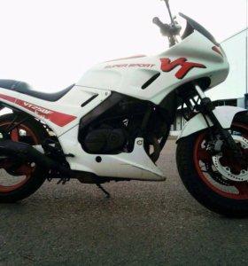 Мотоцикл Honda VT250F