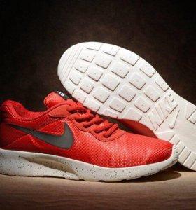 Кроссовки Nike se