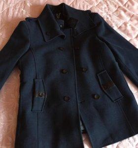 Стильное мужское пальто короткое
