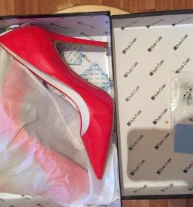 !!!НОВЫЕ!!! Туфли Лодочки 40 красные