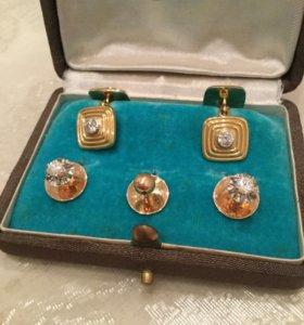 Золотые запонки и пуговицы с бриллиантами для мужа