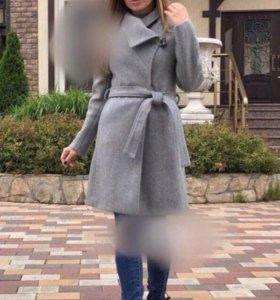 Пальто демисезонное,новое