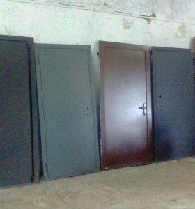 Продаю двери металлические