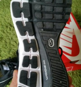 Кроссовки Nike Zoom Structure+ 17