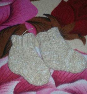 Носки вязанные ручной работы .