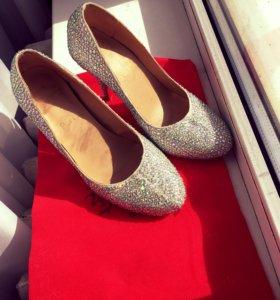 Шикарные туфли на свадьбу или выпускной