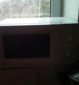 Микроволновая печь даром почти