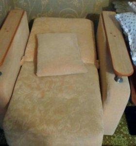 Диван книжка + 2 кресла книжки