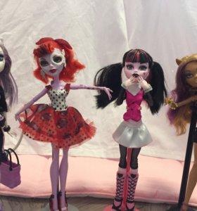 Четыре куклы Monster High. 🦄