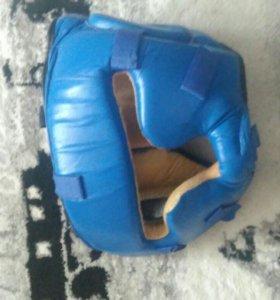 Шлем для единоборств с пластиковой маской
