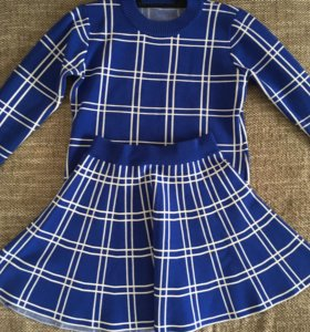 Костюм (кофта и юбка)