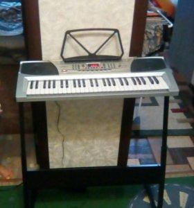 Продам или обменяю синтезатор вместе с подставкой!