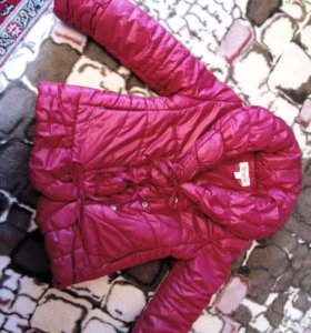 Куртка для девочки на 4-5 лет