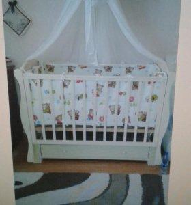 Кроватка и все все для малышки