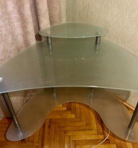 Компьютерный стеклянный стол