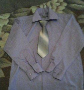 Рубашка с галстуком.