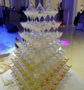 Пирамида шампанского, Бармен шоу, Выездной бар