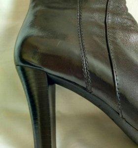 Сапоги женские кожаные новые 38р.