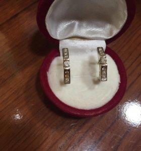 Сережки золотые с бриллиантами