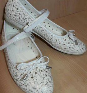 Туфли для девочки- 37р.