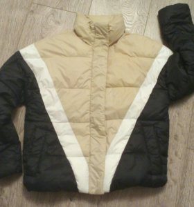 Куртка стегагая/пуховик PullBear женская