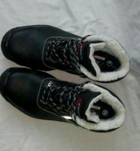 Ботинки зимние(новые)45 размер