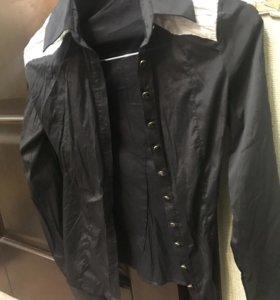 Продам блузку,размер S