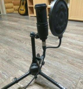 Микрофон at2020 и аудиокарта ur12