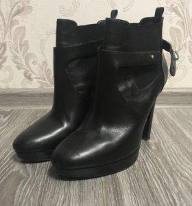 Женская обувь. 41 размер.